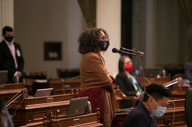 Assemblymember Sydney Kamlager speaks on the floor on the final day of the 2019-20 legislative session, Aug. 31, 2020. Photo by Anne Wernikoff for CalMatters